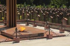 Llama eterna en el monumento militar fotos de archivo