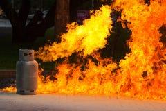 Llama y explosivo del gas del gas Imágenes de archivo libres de regalías