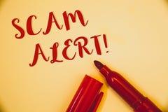 Llamada de motivación alerta de Scam del texto de la escritura Advertencia de la seguridad del significado del concepto para evit Fotos de archivo libres de regalías