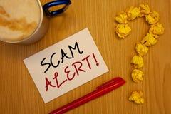Llamada de motivación alerta de Scam del texto de la escritura de la palabra Concepto del negocio para que advertencia de la segu Fotografía de archivo