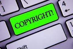 Llamada de motivación de Copyright del texto de la escritura Significado del concepto que dice no a la piratería de la propiedad  imagen de archivo