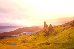Llamarada de Skye Panorama Old Man Of Storr extraordinariamente de par en par foto de archivo libre de regalías