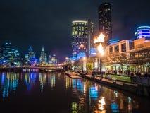 Llamas en el casino de la corona del ` s de Melbourne Fotos de archivo