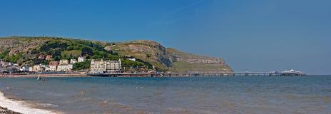 Llandudno码头和极大的Orme 库存照片