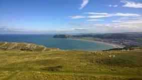 Llandudno, северное Уэльс на ясный день Стоковое фото RF