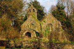 Llandyfeisant kyrka Arkivbild