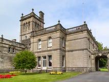 Llanelli,威尔士,英国, 2015年8月14日:Parc霍华德是一个城市` s多数重要地标旅游胜地 免版税库存照片