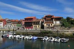 Llanes harour, Asturias, Norther Spanien royaltyfri fotografi