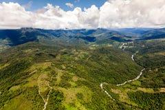 Llanganates nationalpark med Topo-floden Arkivbild