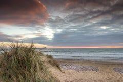 Llangennith海滩Gower有蠕虫顶头景色 图库摄影