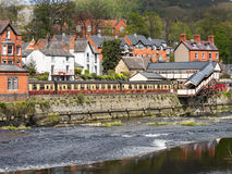 Llangollen, kolej i rzeka, Zdjęcia Royalty Free