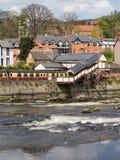 Llangollen station och flod Arkivfoto