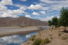 llasa flod Arkivfoton