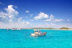 Llaut biały łódź w Formentera Illetes blisko Ibiza Fotografia Stock