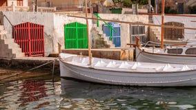 Llaut dans le village de pêche Photographie stock libre de droits