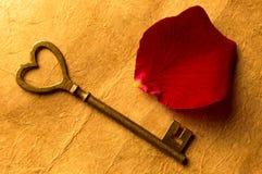 Llave al corazón Foto de archivo libre de regalías