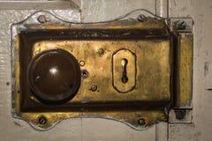 Llave de cerradura de cobre amarillo de puerta del vintage Imagen de archivo libre de regalías