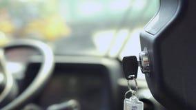 Llave de Ignation del tractor almacen de metraje de vídeo