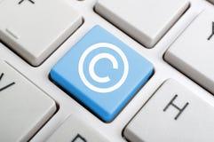 Llave del concepto de la ley en el teclado Imagen de archivo