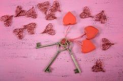 Llave feliz del día de tarjetas del día de San Valentín a mi concepto del corazón Fotografía de archivo