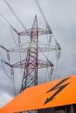Llaves actuales de una línea eléctrica Foto de archivo