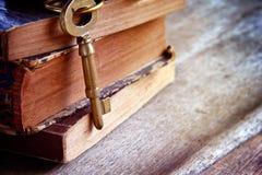 Llaves de oro del vintage Foto de archivo libre de regalías