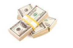 Lle pile di cento fatture del dollaro isolate Immagine Stock Libera da Diritti