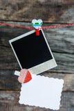 Lle strutture e un cuore di una foto della polaroid per il San Valentino Fotografie Stock Libere da Diritti