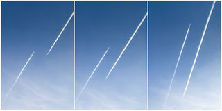 Lle tracce di due aerei nel cielo Immagini Stock