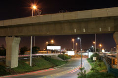 Llegada en O R Tambo por Gautrain y el camino Foto de archivo libre de regalías