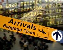 Llegadas del aeropuerto imagen de archivo libre de regalías