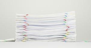 Llene el papeleo de la sobrecarga del informe sobre el lapso de tiempo blanco del fondo almacen de video