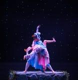 Lleve a cabo la danza popular para arriba-Tórtola-china fotografía de archivo