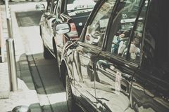 Lleve en taxi la zona de espera cerca del parque de Ueno en Tokio Imagenes de archivo