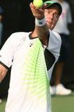 Lleyton Hewitt: De professionele tennisspeler dient Royalty-vrije Stock Foto's