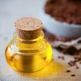 Llinseed油和亚麻籽 免版税库存照片
