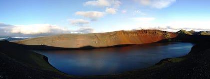 Lljotipollur, озеро кратера стоковая фотография