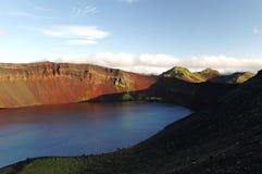 Lljotipollur, озеро кратера стоковое изображение