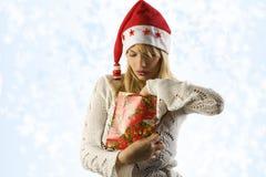 lloking Boże Narodzenie prezent Zdjęcia Royalty Free