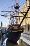 LLONDON UK - MARS 29, 2014 Francis Drake s guld- bakre skepp Arkivfoto