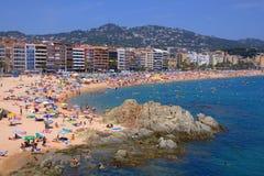 Lloret DE brengt strand, Costa Brava in de war Stock Fotografie