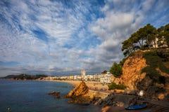 Lloret de Mar en la salida del sol en Costa Brava en España Foto de archivo