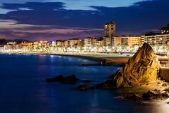 Lloret de Mar stad på skymning Fotografering för Bildbyråer