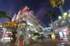 Lloyd G Smith Boulevard i Oranjestad, Aruba Royaltyfria Bilder