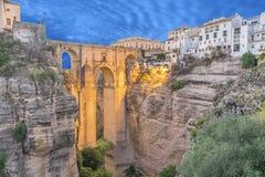 Lluminated Puente Nuevo bro i Ronda Arkivfoto
