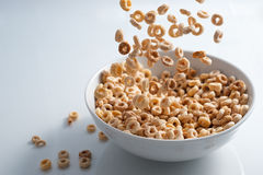 Lluvia de Cheerios imagen de archivo libre de regalías