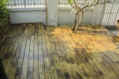 Lluvia en el de madera Foto de archivo libre de regalías