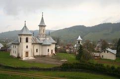 Lluvia en el monasterio Imagenes de archivo
