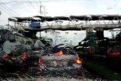 Lluvia en el parabrisas del coche Fotografía de archivo