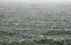 Lluvia en el río Fotografía de archivo libre de regalías